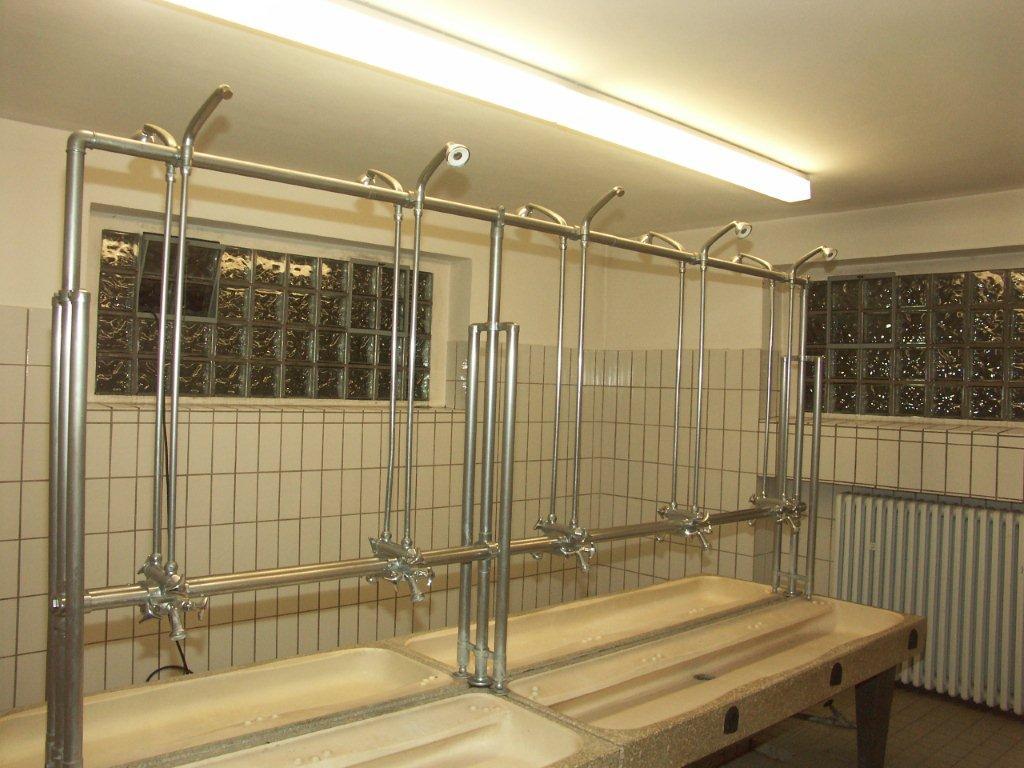 Waschbecken Pinkeln